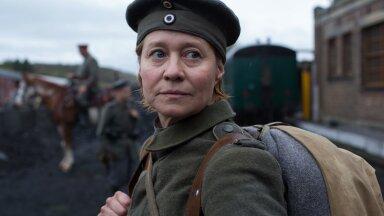 Kange naine Erna (Trine Dyrholm) on väga mõjus oma vankumatu meelekindlusega.