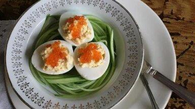 РЕЦЕПТ | Что делать с яйцами, оставшимися после Пасхи? Рецепт красивого яичного завтрака от таллиннского повара и блогера RusDelfi