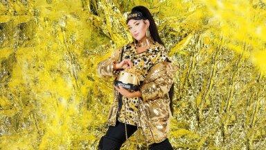 Fotod: Krõõt Tarkmeel, tootjad, H&M I Modell: Elis Svistunova I Rõivad ja aksessuaarid: Moschino [tv] H&M