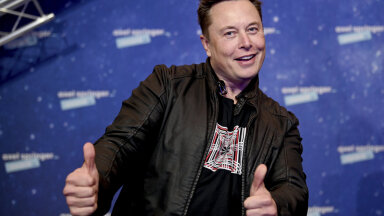 """""""Быстрее Porsche и безопаснее Volvo"""". Илон Маск показал новую Tesla — самый быстрый электромобиль в истории компании"""