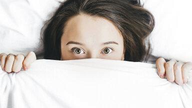 """Üheksa üllatavat fakti une kohta – mis on """"pühapäeva insomnia""""?"""