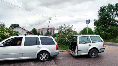 ФОТО | Полторы машины: в Нарве полиция заметила странный прицеп у автомобиля