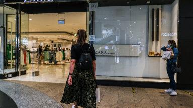 Teadsid? TikTokis levib kaval nõks, mis muudab Zara kauplustest rõivaste soetamise lihtsamaks