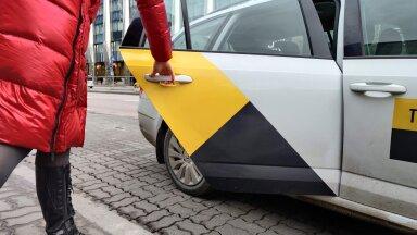 В честь Международного дня таксиста Yandex Go удваивает безналичные чаевые водителям