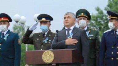 ВИДЕО   Как узбекские военные гимн слушали