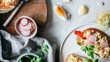 RETSEPTID | Lihavõtted lauale! NELI suurepärast rooga, mis toovad su lauale värvide virvarri