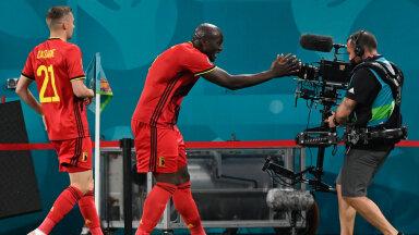 """Romelu Lukaku tähistas Venemaale löödud väravat kaamerasse karjutud sõnadega: """"Chris, ma armastan sind!"""" Mehed mängivad koos Milano Interi klubis."""