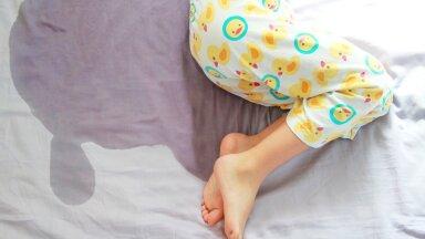 Seitse aastat loigus ärkamisi. Kuidas aidata last, keda kimbutab voodimärgamine?