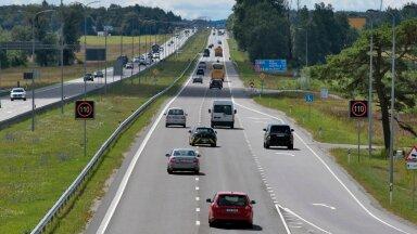 Liiklus Pärnu maanteel