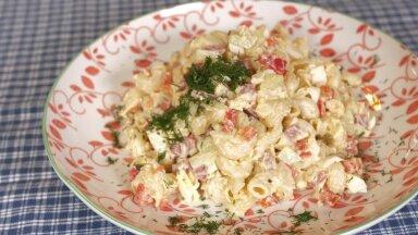 яичный салат с копченой колбасой