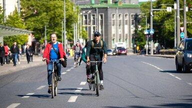 Üle viie tuhande inimese soovivad, et suveks antaks kesklinnas üks sõiduradadest kergliiklejate kätte.