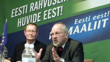 Tunne Kelam ja Peeter Tulviste 2003. aastal Isamaaliidu valimiskampaaniat tegemas.