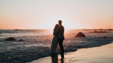 KOGEMUS | Kui suurt pulma korraldada ei taha, võib abielluda ka vaid kahekesi. Miks mitte näiteks imekaunil Sardiinia saarel?
