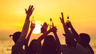 KUULA | Kas ja kuidas alkohol kehakaalu mõjutab?