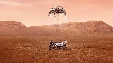 """Робот """"Персеверанс"""" прибыл на Марс искать следы инопланетной жизни и сделал первые фотографии планеты"""