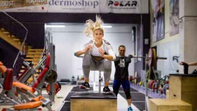 Spordisaalidele kehtivad uued piirangud, aga trenni jätta ei tohiks! Personaaltreener Janika Koch-Mäe annab nõu, kuidas trennidega jätkata