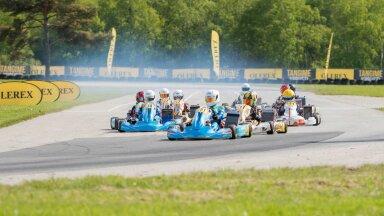 Fotol klassi OK-Junior start Tabasalu etapilt. Foto autor Tõnis Krikk.