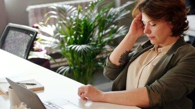 Kodukontor ei näi lõppevat, silmad on arvutis olemisest väsinud? Nipid, kuidas leevendada veebiväsimust