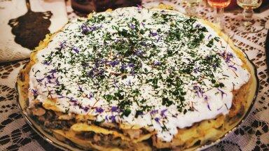 РЕЦЕПТ К ДНЮ НЕЗАВИСИМОСТИ | Блинный торт с копченой салакой