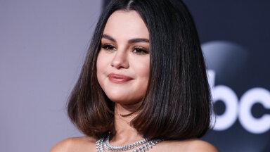 FOTOD | Kumb meeldib rohkem? Kendall Jenner ja Selena Gomez kandsid sama kleiti, aga tulemus oli täiesti erinev