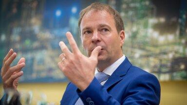 Eesti Energia juht Hando Sutter ütleb, et riigil oleks viimane aeg ennastki liigutada, et lõpuks Eestisse mõni tuulik päriselt püsti saaks.