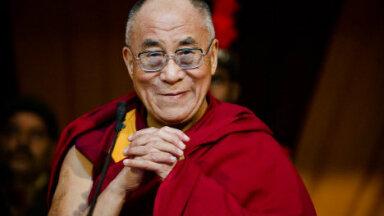 Tema Pühaduse dalai-laama Riias antavad õpetused keskenduvad budismi kahele peamisele tugisambale – kõikehõlmavale tarkusele ja kaastundele kõigi tajuvate olendite suhtes.