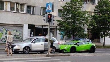 Попавший в Таллинне в аварию Lamborghini отправится на ремонт в Италию