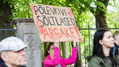 Alates 2019. aasta märtsikuust on Eesti noored reedeti koolist puudunud, et protesteerida valitsuse tegevusetuse üle kliimakriisi lahendamisel.