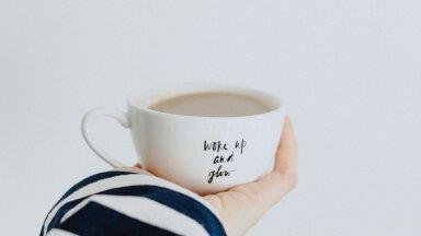 Selleks, et kohvi ergutav efekt kõige paremini kätte saada, ei tohiks sa seda juua esimese asjana hommikul!