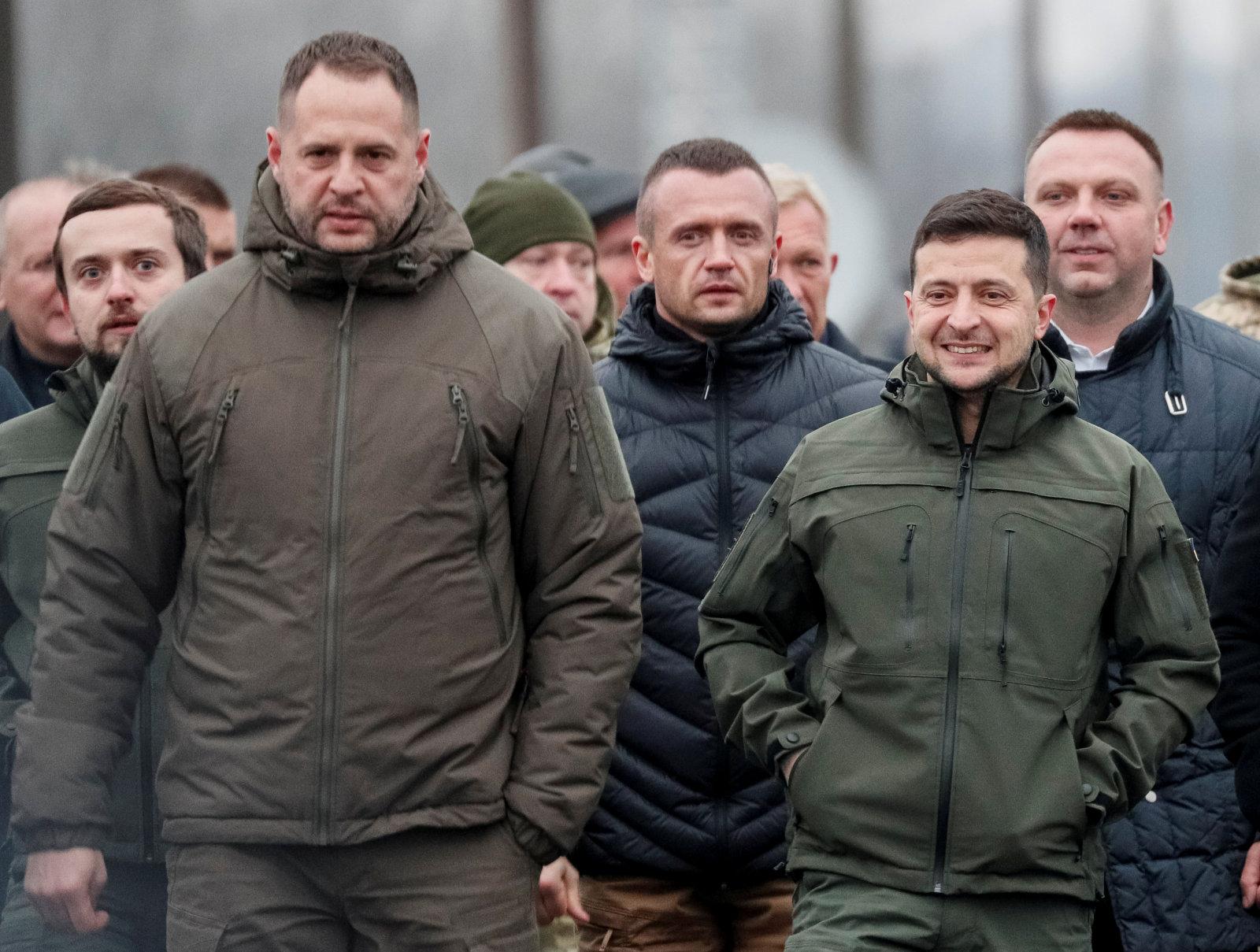 """Juhus? Koos Zelenskõi administratsiooni juhiga vahetati välja ka Moskva """"hall kardinal"""" Ukrainas"""