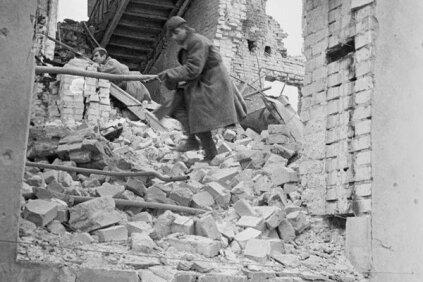 a8ff21213f5 TÄISMAHUS: Kas Stalin säästis Eesti korpust Stalingradis hukkumisest?