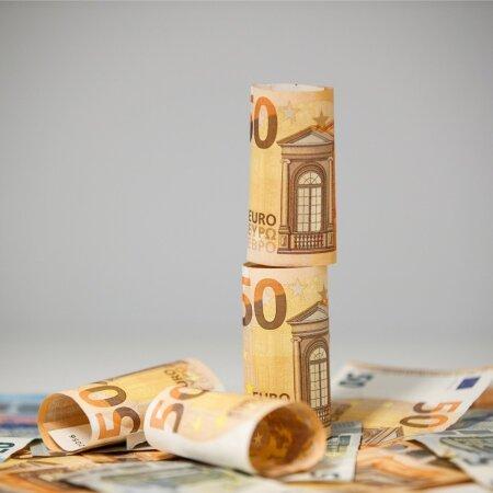 Raha. Foto on illustratiivne