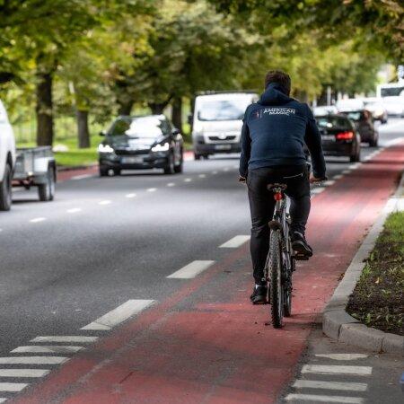 Punane jalgrattatee Tallinnas