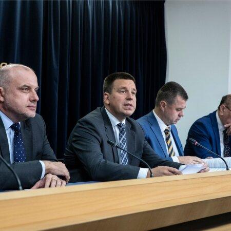 Valitsuse pressikonverents, Jüri Luik, Jüri Ratas, Urmas Reinsalu, Mart Helme