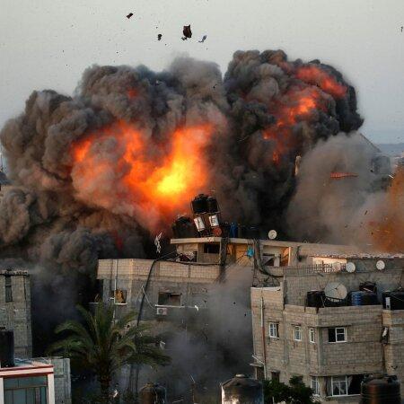 Iisrael pommitab Gazat