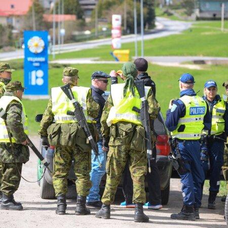 Politsei ja kaitseliitlased kontrollivad Viljandis sõidukeid