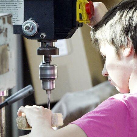 Vanem põlvkond oskaks õigeid töövõtteid edasi anda