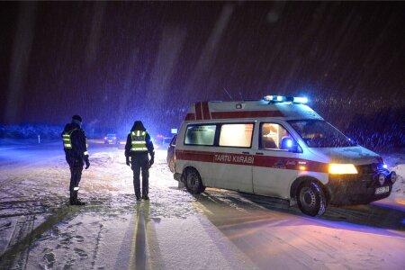 Viljandimaal põrkasid kokku kaks autot