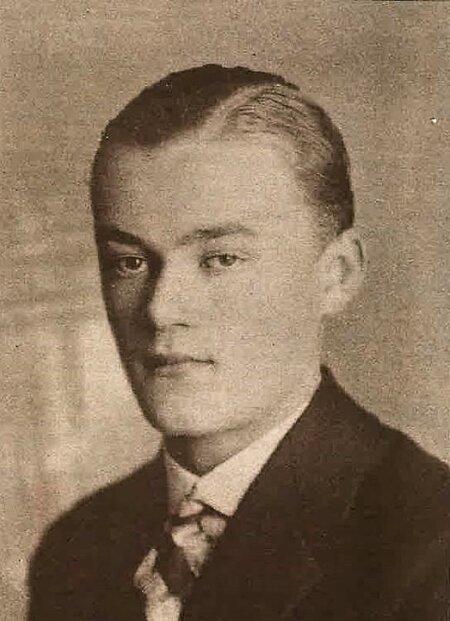 VIIMASEID FOTOSID: Mlša oli noorukina eakaaslastest täiskasvanum, kuuludes kaks aastat vanemate poiste kampa. Foto aastast 1928.