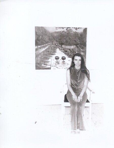 Ludmilla enne Soome kolimist 1977 ateljees.