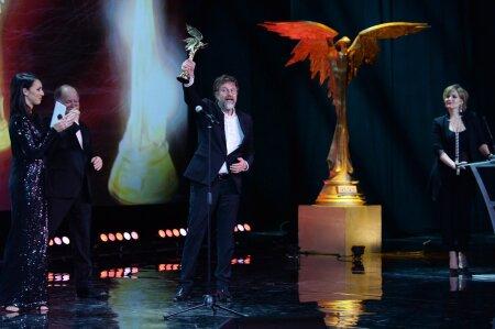 2015 — Премия «Ника» за лучшую мужскую роль («Трудно быть богом»)