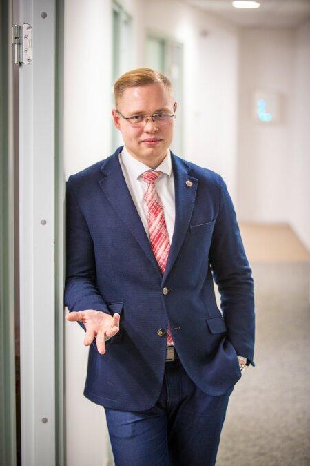 EI PIISAVA PÕHJUSETA JÄLITAMISELE! Advokaat Silver Reinsaar juurutab Eesti õiguses euroopalikke kombeid.