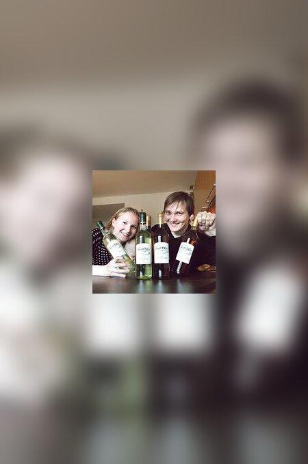 Marika ja Juhan Kundla tõestavad, et Eesti marjadest saab teha kvaliteetseid veine.