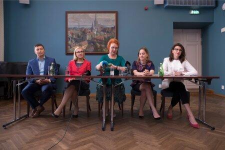 Пресс-конференция, где Яна Тоом сообщила, что остается в партии.