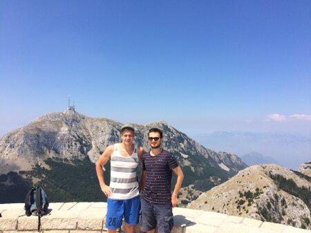 Markus ja Alex Lovceni mäel, mis on Montenegro sümboliks
