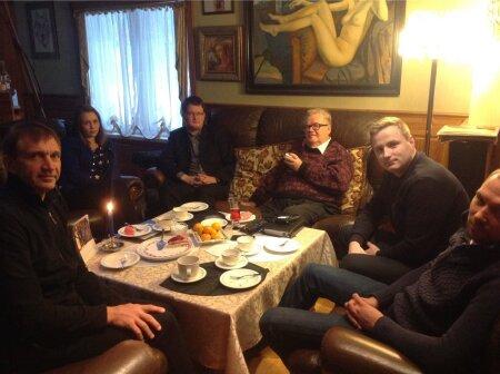 Edgar Savisaare juures kogunesid eelmisel sügisel vasakult Urmas Sõõrumaa, Anna Žinkovskaja, Priit Kutser ja Andres-Marius Rosenblatt