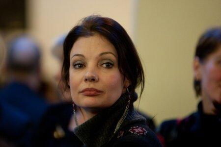 Näitlejanna Marika Korolev ei talunud anonüümsete kommentaatorite mõnitusi vaikides ja sundis nad kohtu abiga kukrut kergendama.