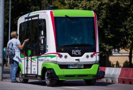 isesõitev buss