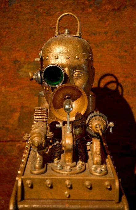 HUMACHINOID II: Kalju Kivi dekoratiivstaatiline steampunk-teos, mis ei liiguta.