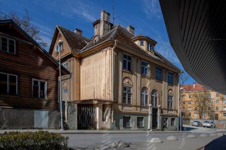 Renoveerimata hooned, Lennuki 26